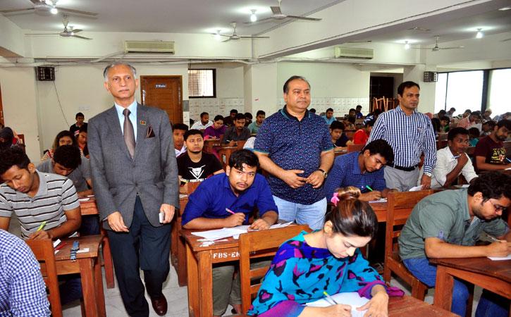 ঢাকার ঐতিহ্যবাহী ৭ কলেজের পরীক্ষা নেবে ঢাবি