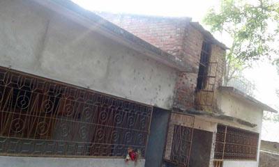 'অপারেশন ঈগল হান্ট', মুহুর্মুহু গুলির শব্দে কেঁপে উঠছে এলাকা