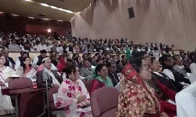 শপথ নিলেন জেলা পরিষদের সদস্যরা