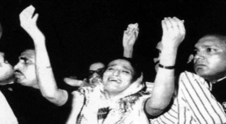 সেদিন দেশে ফিরে যে কথাটি বলেছিলেন  শেখ হাসিনা