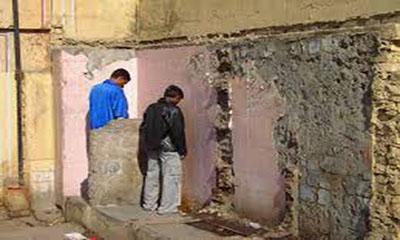 মৃত্যুর ভয়ে টয়লেট তৈরি করেন না এই গ্রামের বাসিন্দারা