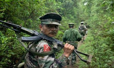 ফেঁসে যাচ্ছে মিয়ানমার সেনাবাহিনী