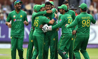 পাকিস্তানি ক্রিকেটারকে হত্যার হুমকি!