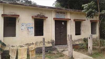 সিএইচসিপিদের আন্দোলন: চিকিৎসাসেবা বন্ধ কমিউনিটি ক্লিনিকগুলোতে