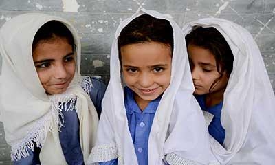 শরণার্থী সংকট: ৫ লাখের বেশি শিক্ষার্থী পড়ছে ইরানের স্কুলে