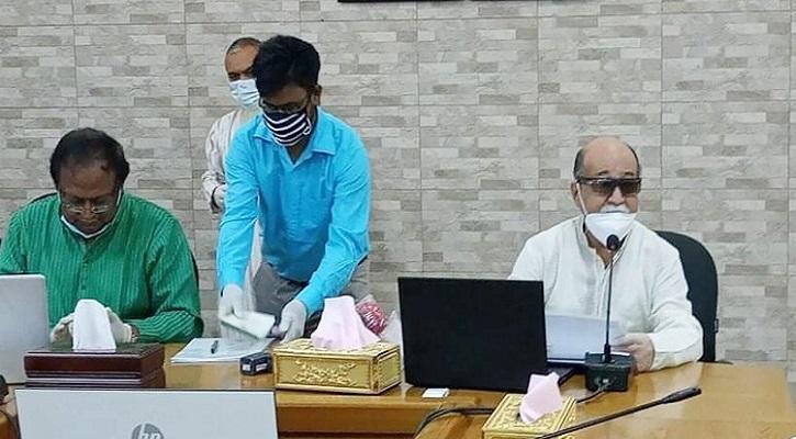 সারাদেশে সিগারেট উৎপাদন বিক্রি বন্ধ: শিল্পমন্ত্রী