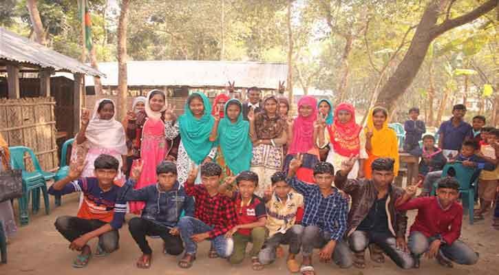 চাটাই দিয়ে ঘেরা স্কুলটিতে শতভাগ জিপিএ-৫