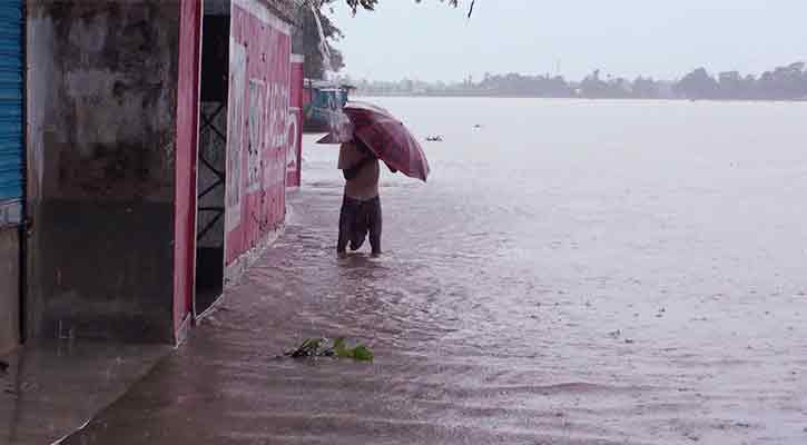 আরো ২ দিন বৃষ্টি, সুনামগঞ্জ-ছাতক-জৈন্তাপুরে বন্যার অবনতি