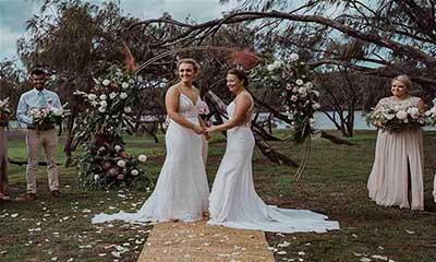 ফের দুই নারী ক্রিকেটারের বিয়ে, ক্রিকেট বিশ্বে তোলপাড়