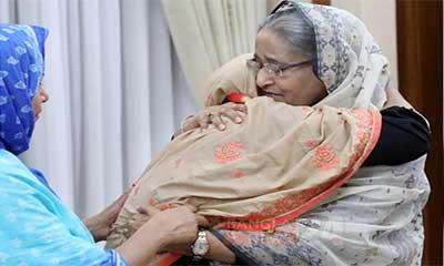 স্বজন হারানোর বেদনা আমি বুঝি, আবরারের মাকে প্রধানমন্ত্রী