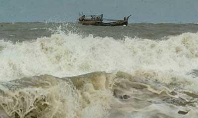 বাংলাদেশের জলসীমায় মাছ ধরায় ১৪ ভারতীয় জেলে আটক