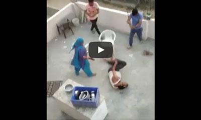 ভারতে ঘরে ঢুকে মুসলিম পরিবারকে নির্যাতন (ভিডিও)