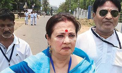 আই অ্যাম জাস্ট ফিনিশড: মুনমুন সেন