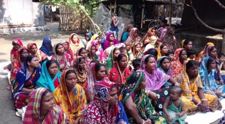সীমান্ত দিয়ে ভারত থেকে আসছে শত শত মানুষ