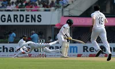 গোলাপি টেস্ট: ১০৬ রানেই অলআউট বাংলাদেশ